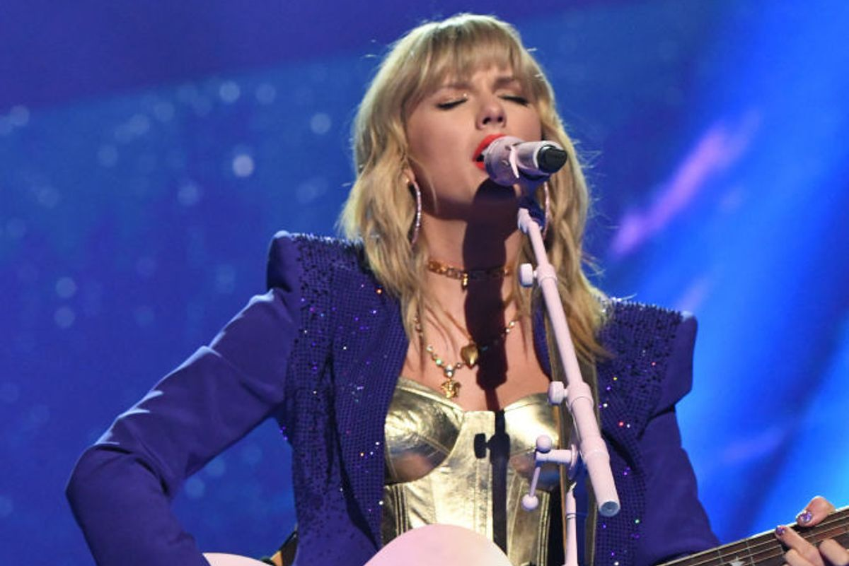 Taylor Swift Cries During TED Talks, Loves When People Rank Her Songs