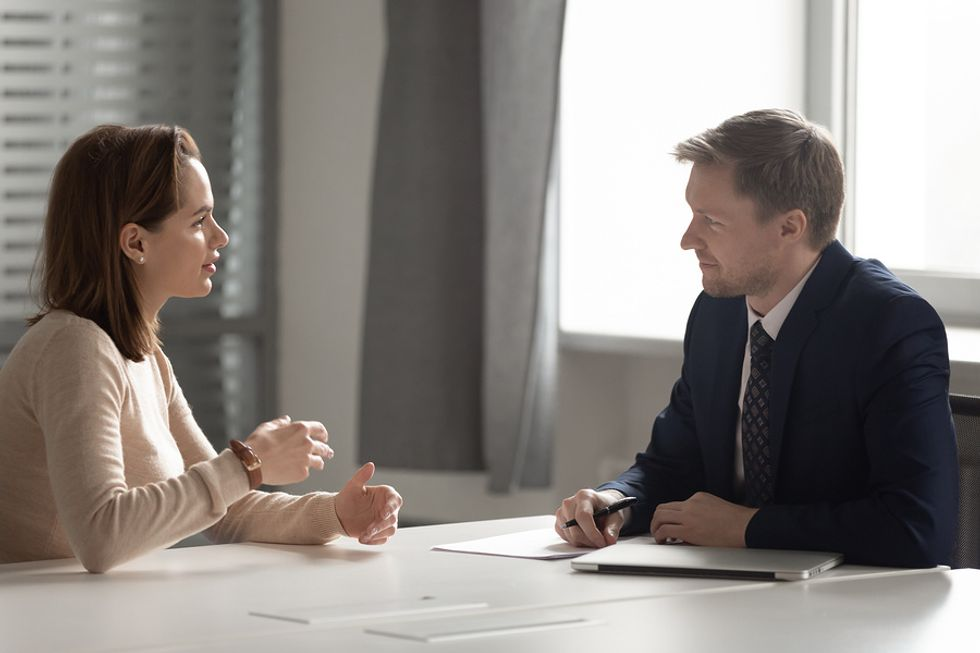 Job candidate talks about money during an interview