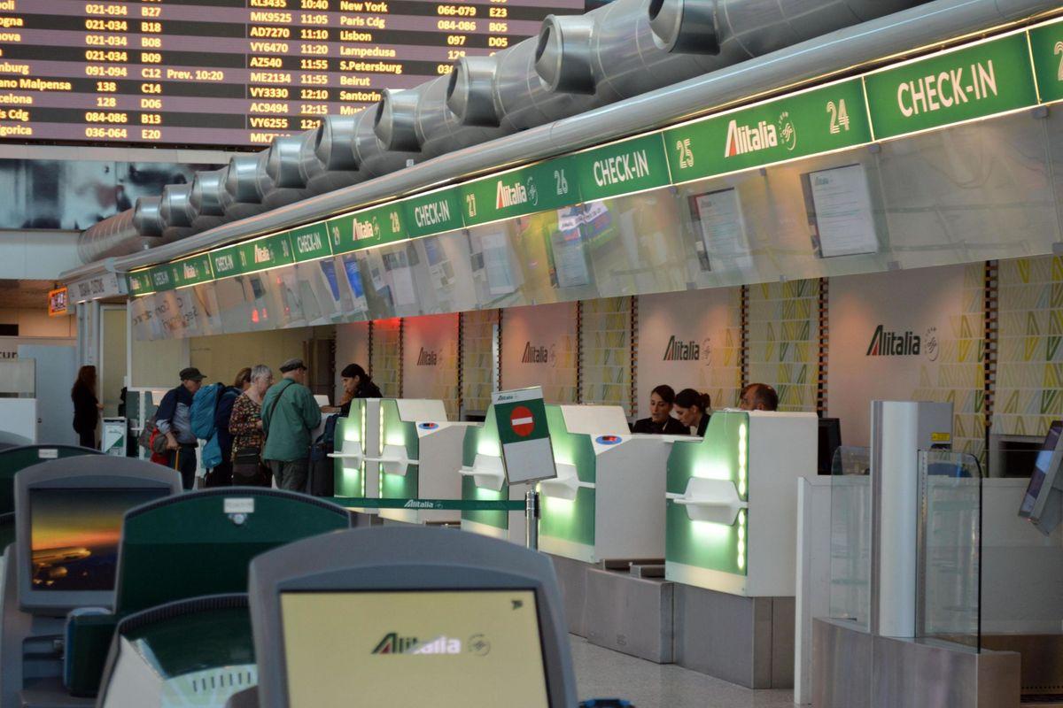 Iniettati altri 350 milioni in Alitalia. Pagamenti statali, tempi più lunghi