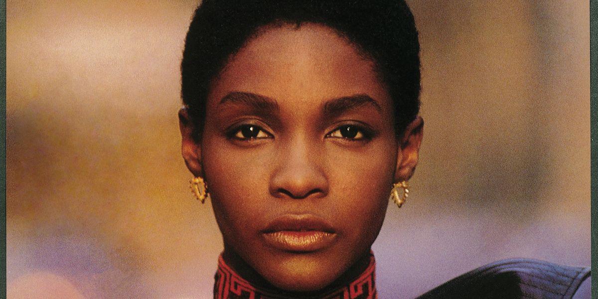 18 Iconic Images of Black Women Who Revolutionized Fashion