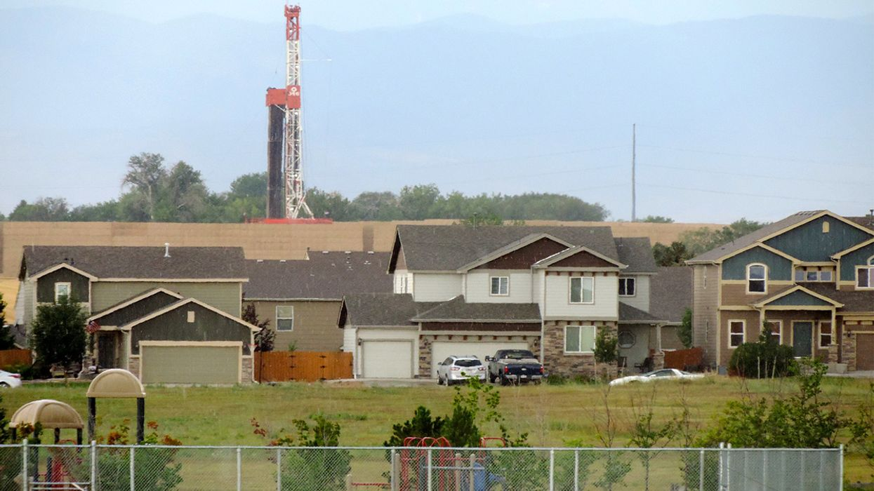 Fracking Study Shows Toxic Chemical Exposure 2,000 Feet From Drilling Sites