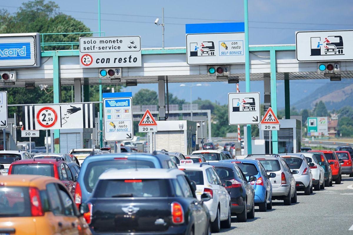 Automobilisti multati a tradimento. Pedemontana inondata di proteste