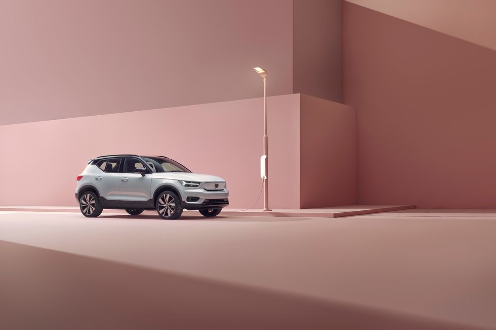 Volvo XC40 Recharge charging front grille headlights wheels
