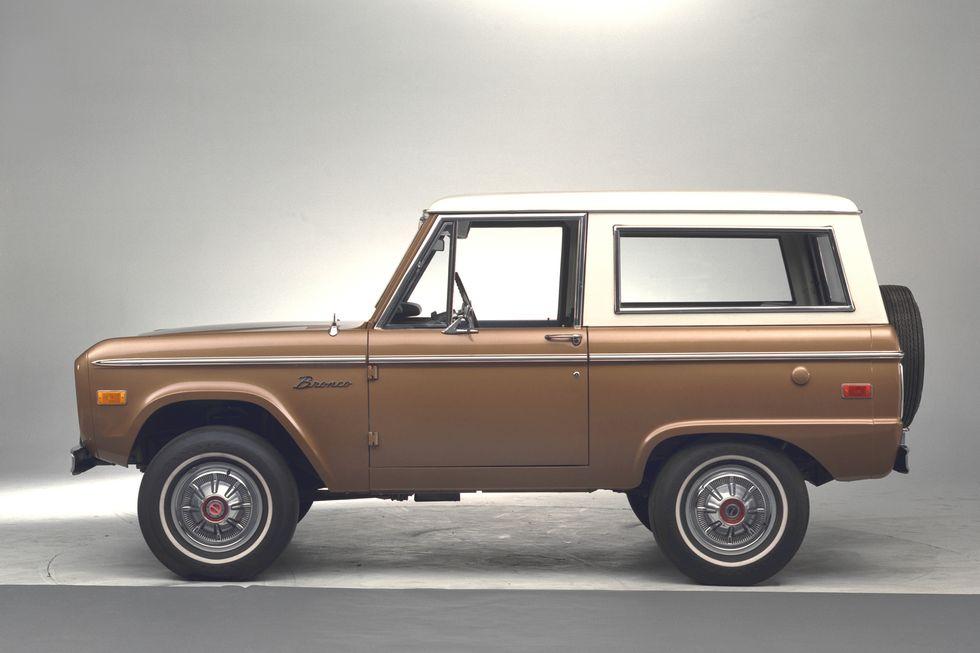1974 Ford Bronco side profile