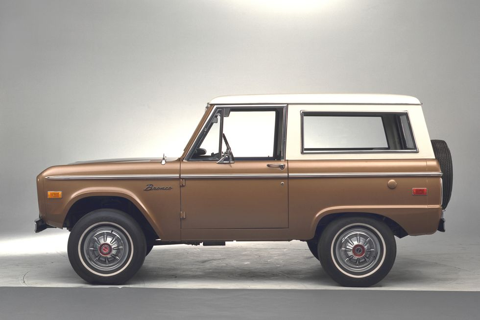 1974 Ford Bronco side profile