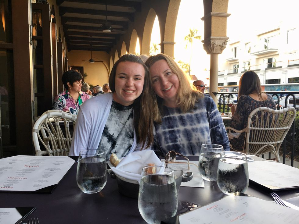 7 Reasons I Still Call My Mom In College