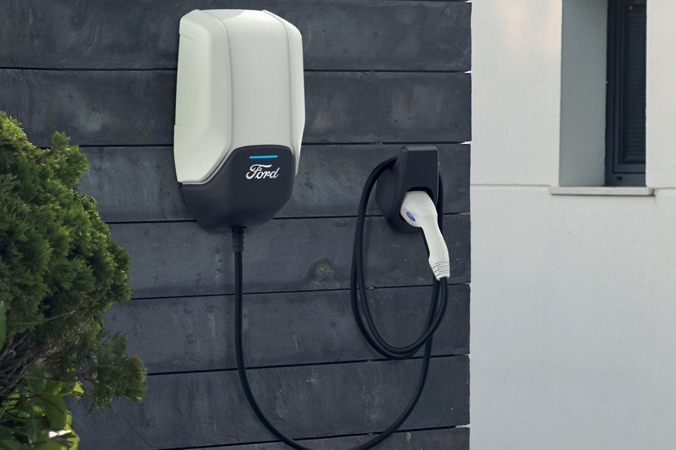 Ford Charging home plug outlet mounted