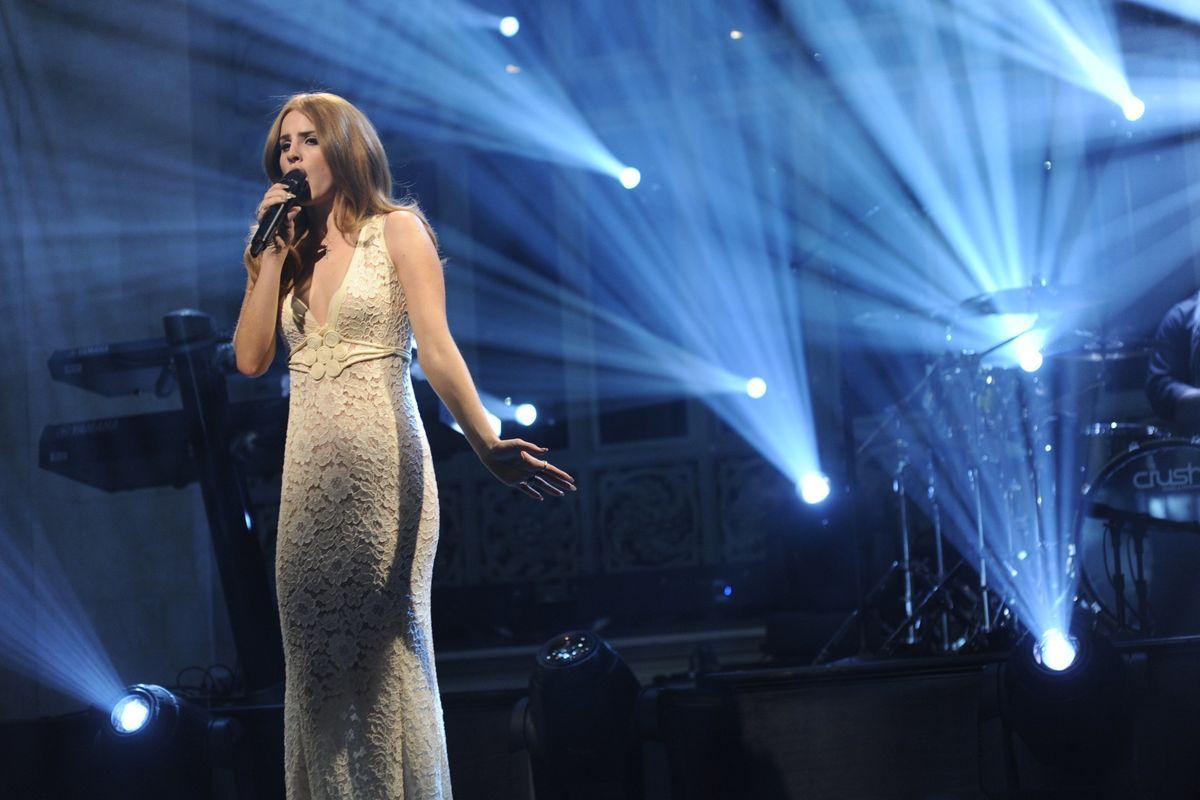Elton John Weighs in on Lana Del Rey's Iconic 'SNL' Flop