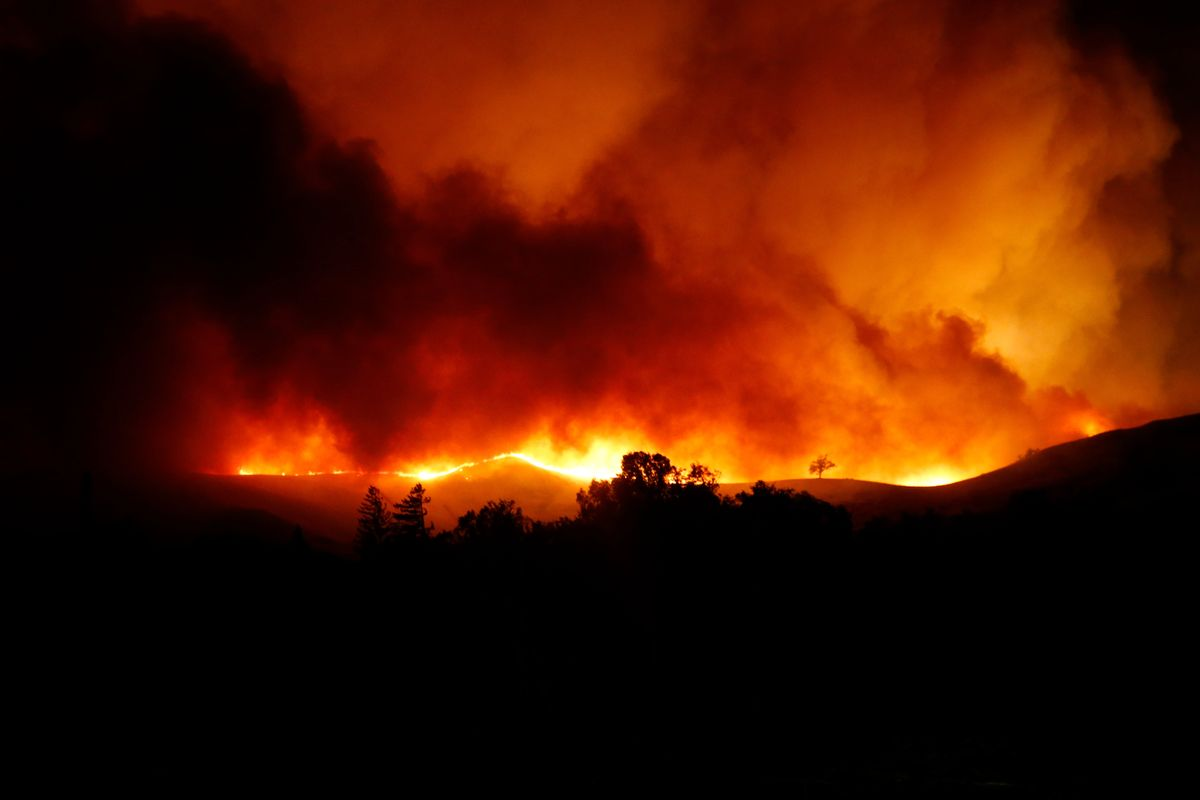 The Kincade Fire in Sonoma Forces Mass Evacuation