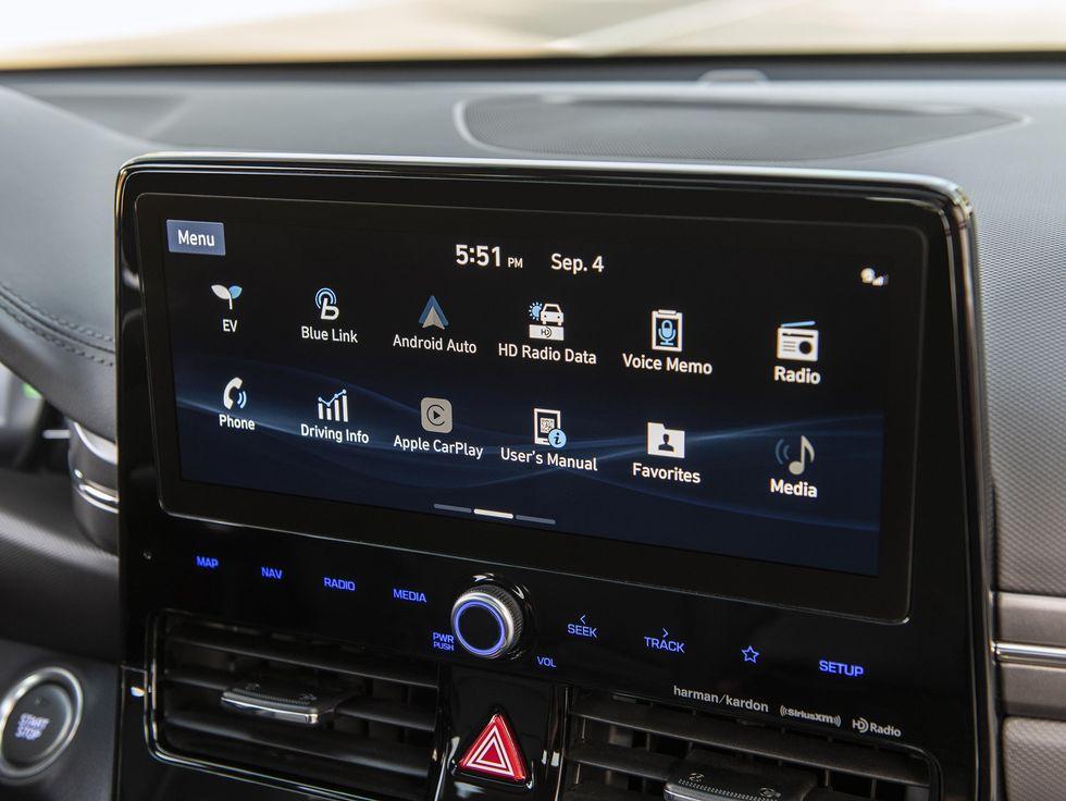 2020 Hyundai Ioniq Hybrid touchs creen