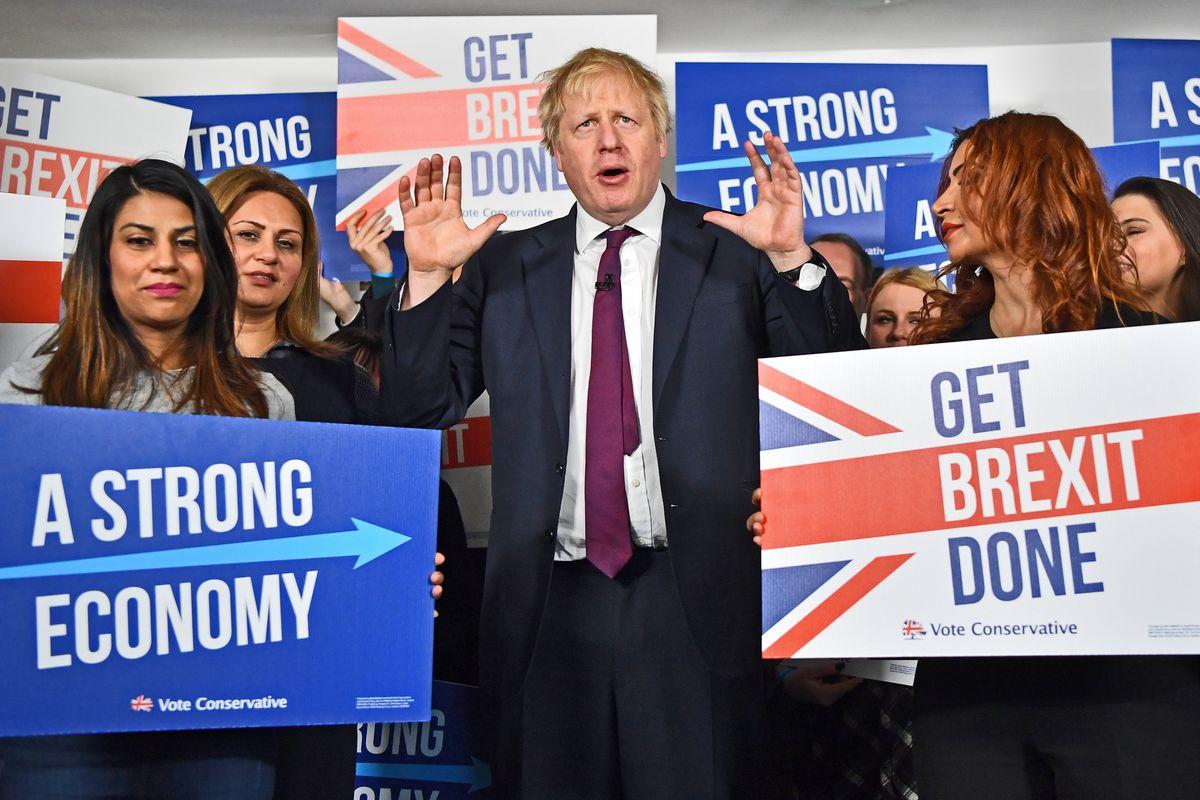 Boris chiede pieni poteri agli inglesi per il divorzio finale da Bruxelles