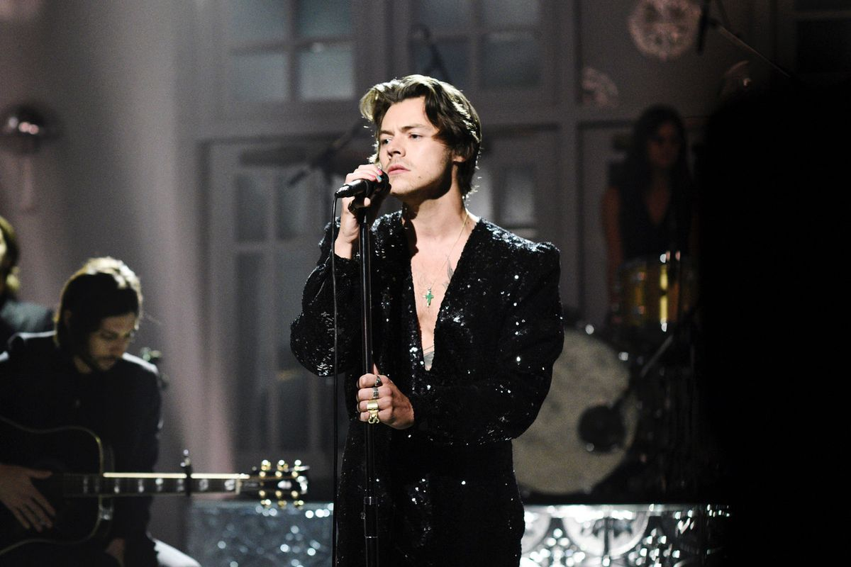 Harry Styles Dodges Ex Kendall Jenner's Question By Eating Cod Sperm