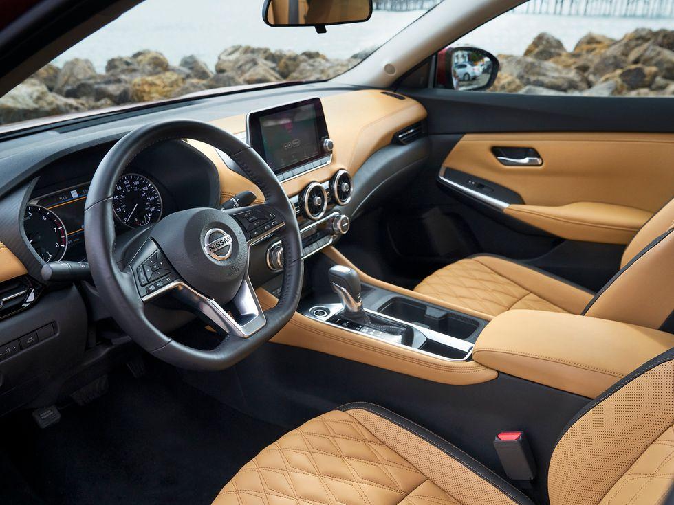 2020 Nissan Sentra interior seats wheel shifter radio