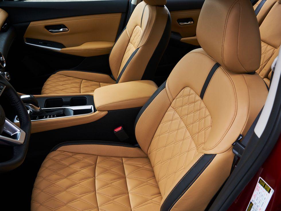 2020 Nissan Sentra interior seats
