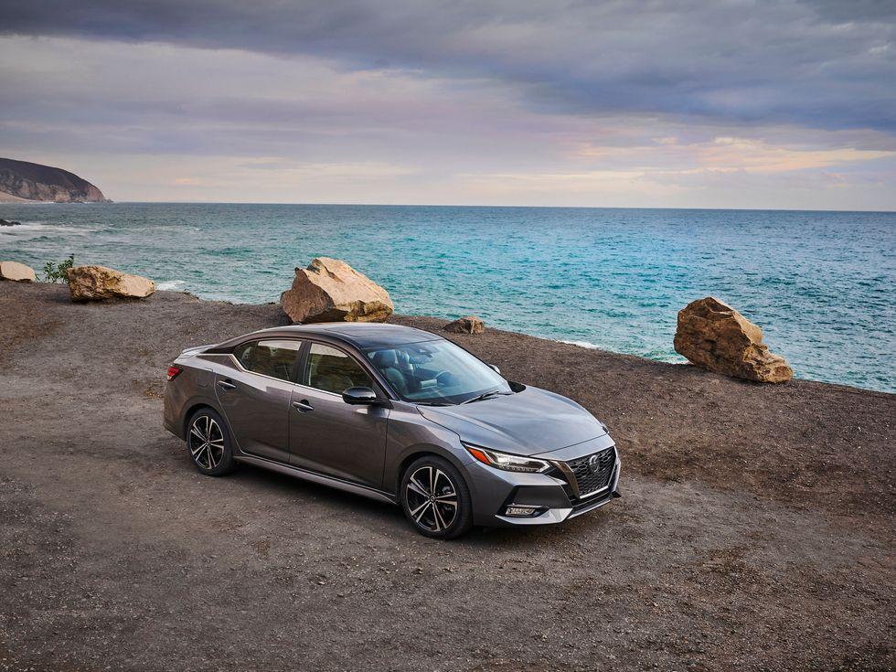 2020 Nissan Sentra exterior body wheels