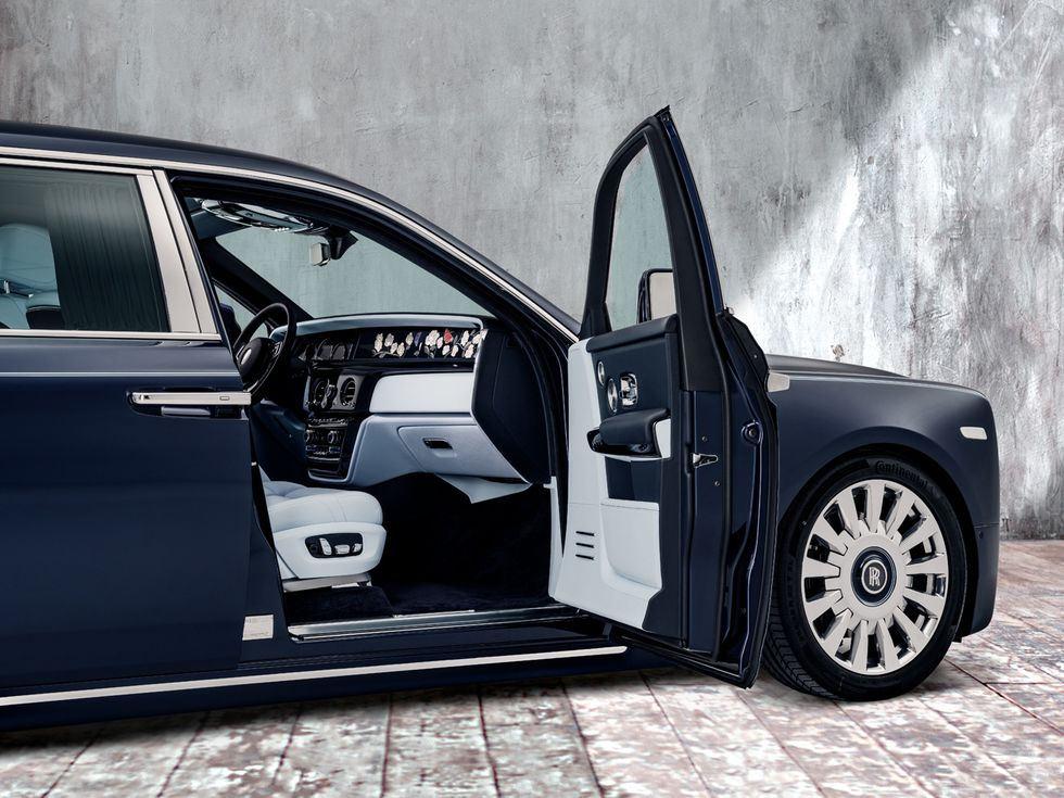 2019 Rolls-Royce Phantom Rose embroidery interior