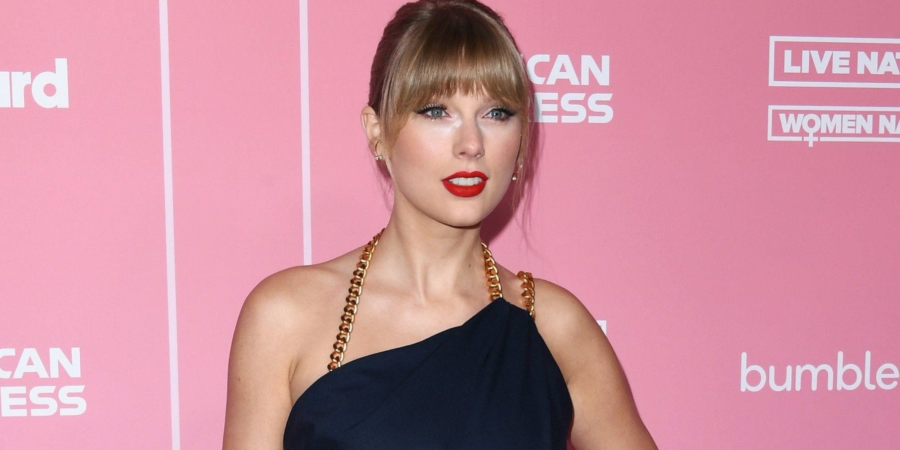 """Taylor Swift Calls Out Scooter Braun & """"Toxic Male Privilege"""" In Lengthy 'Billboard' Speech"""