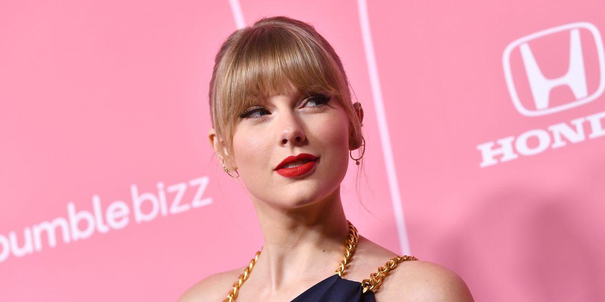 Taylor Swift Went off on Scooter Braun Last Night