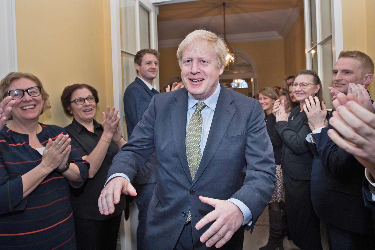 Johnson si gode la vittoria. Il 31 gennaio scatta il divorzio da Bruxelles
