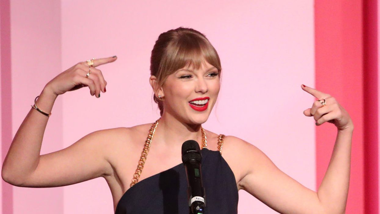 Taylor Swift goes on a lengthy rant about 'toxic male privilege' in her Billboard speech. She waited for loud applause, but it never came.