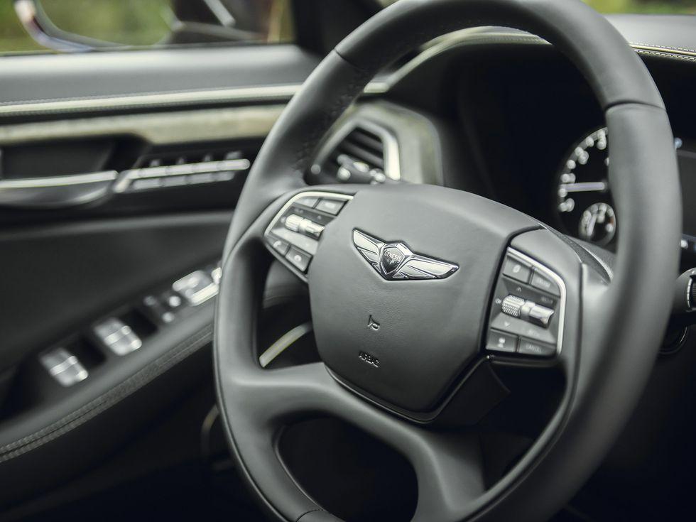 2020 Genesis G90 wheel