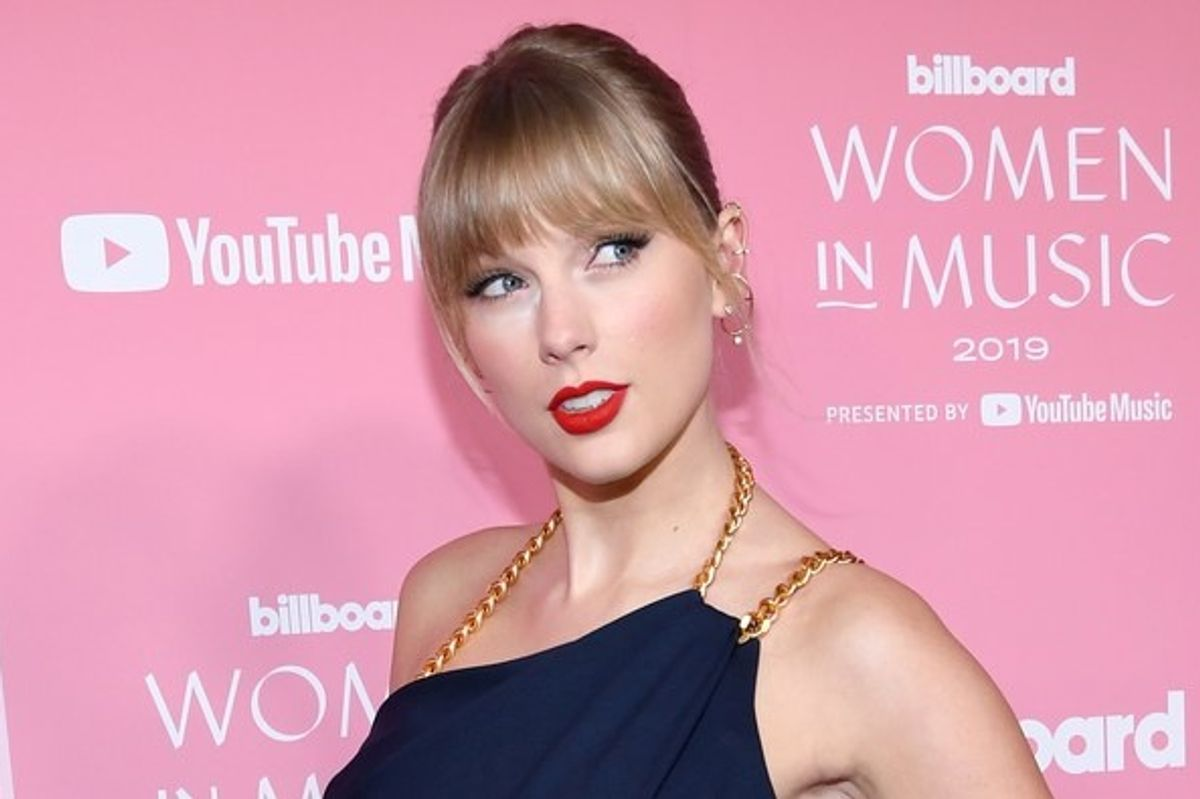 Taylor Swift called out toxic male privilegein her Woman of the Decade speech