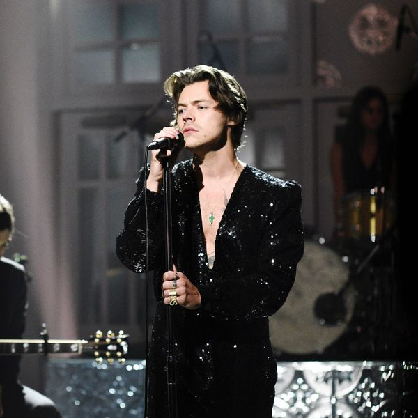 Everyone's Freaking Out Over Harry Styles' Manicure