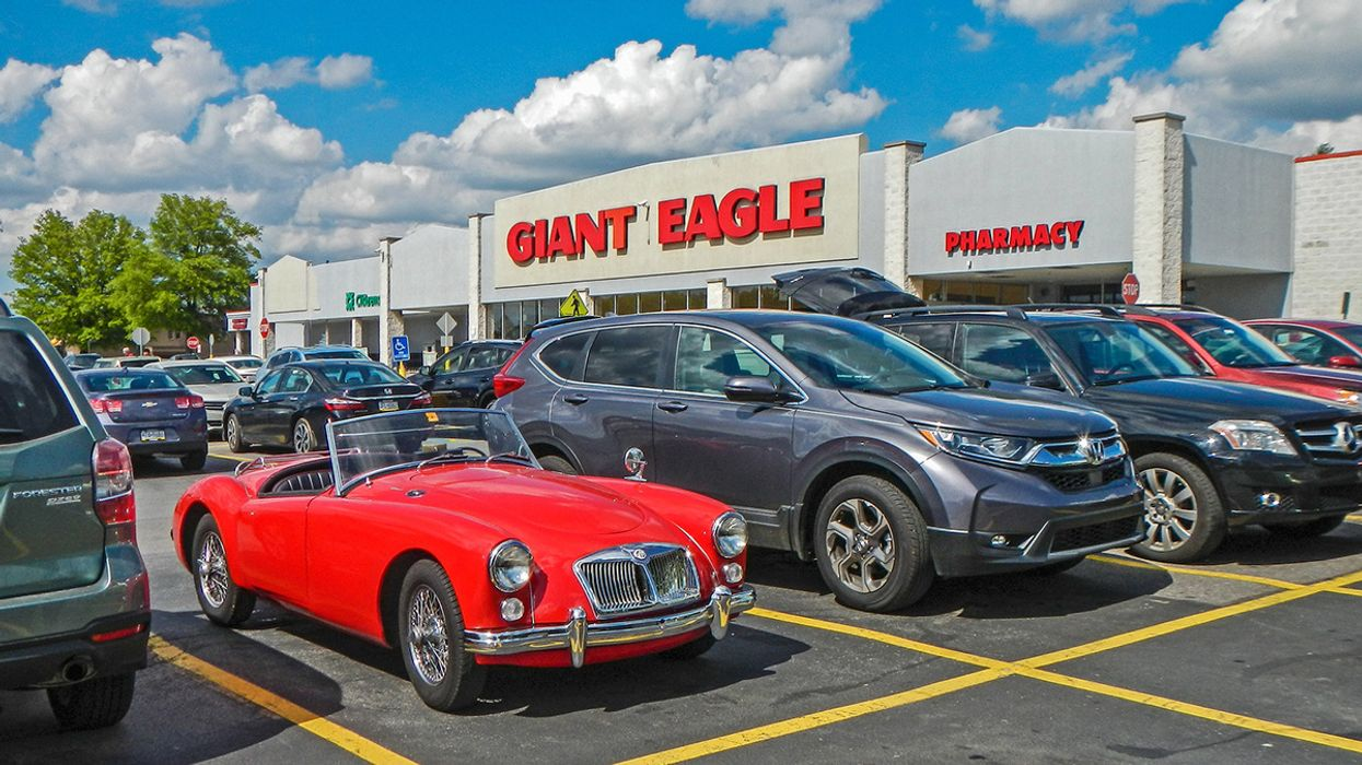 Giant Eagle Becomes First U.S. Retailer of Its Size to Set Single-Use Plastic Phaseout