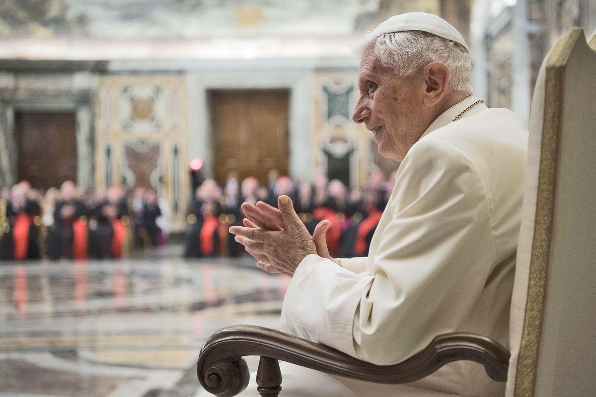 Stampa cattolica, scende in campo Ratzinger