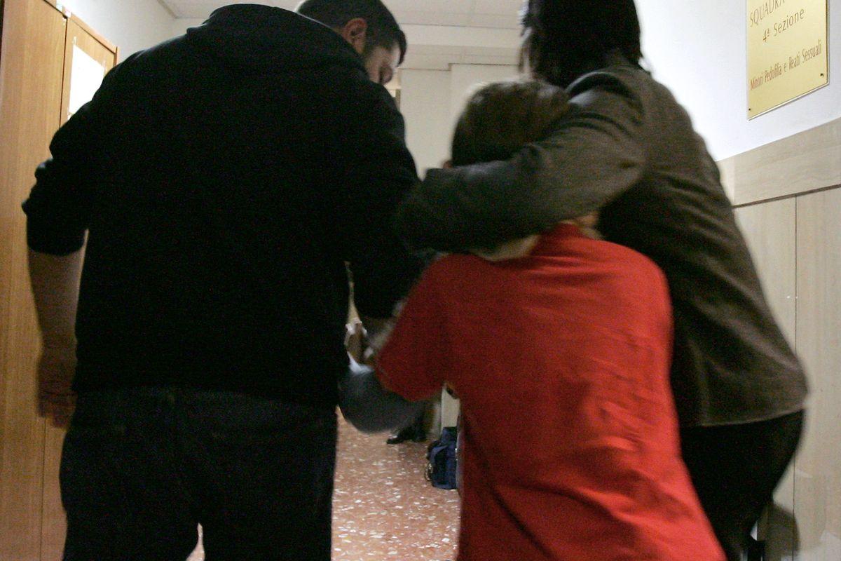 Siriano sequestra la figlia a scuola. Era già a processo per rapimento