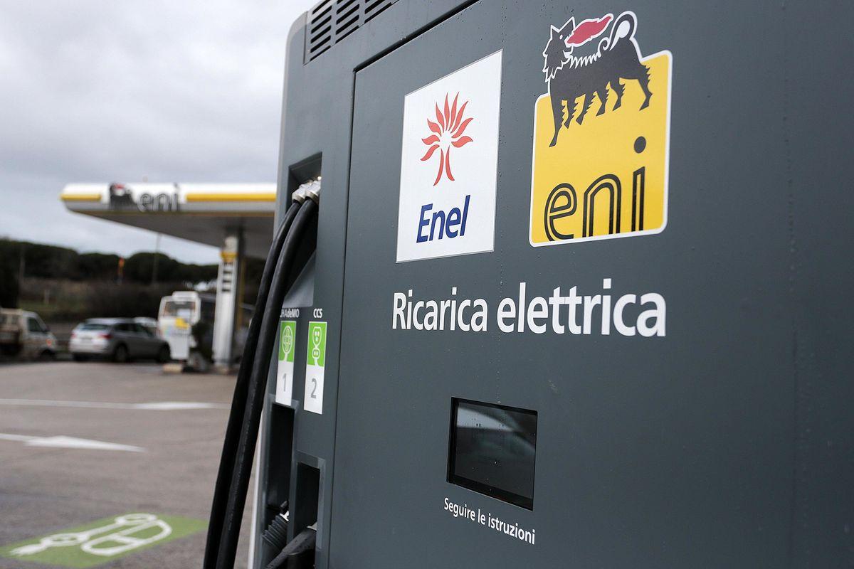Il futuro della mobilità è elettrico. Italia più virtuosa della Germania