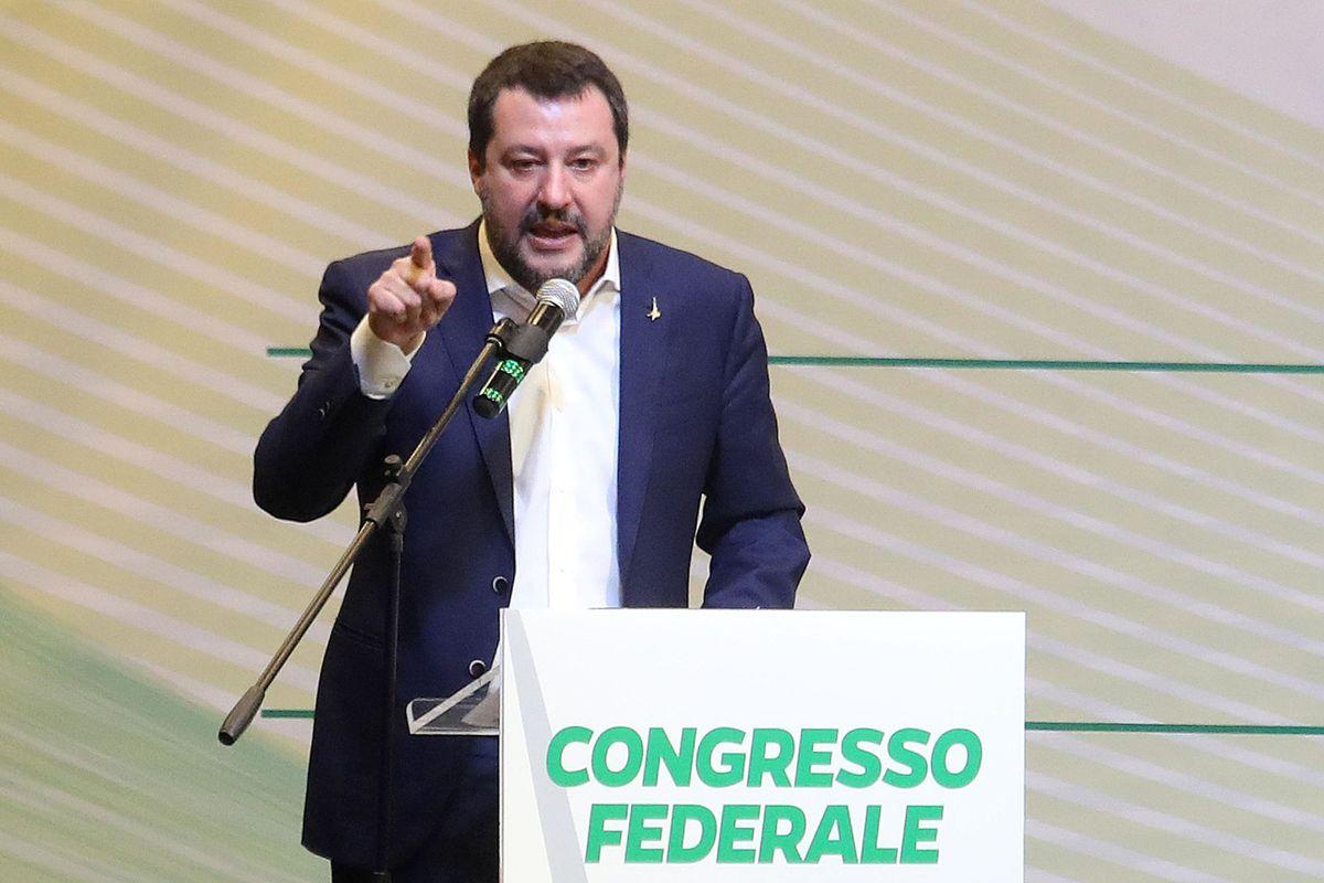 Nasce la Lega nazionale di Salvini. Al battesimo c'è anche il Senatùr