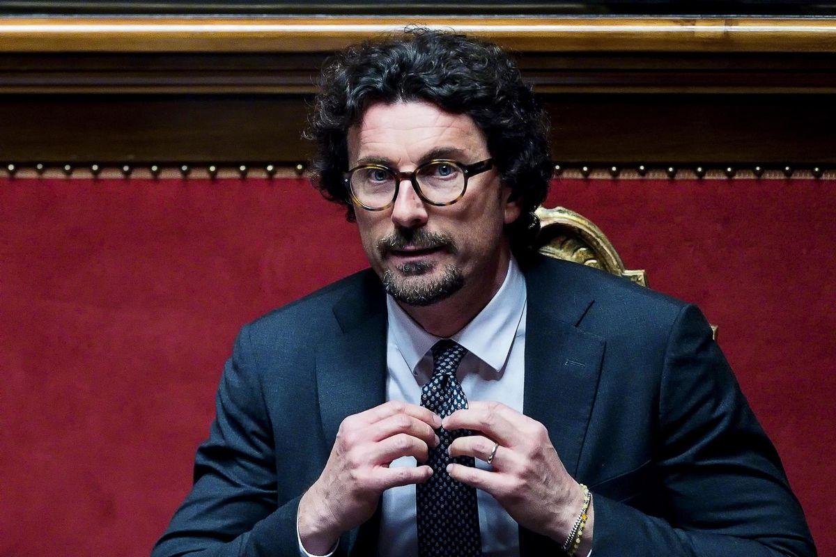 Danilo Toninelli: «Faciliterò la guerra ai poteri forti»