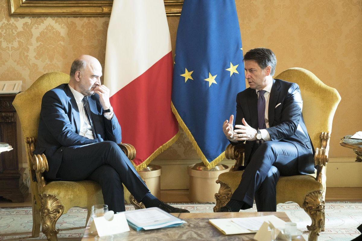 La maggioranza va in  pezzi sul Mes e Conte fugge dal padrone francese