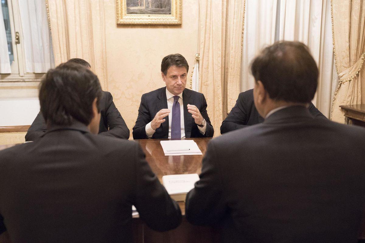 Dopo il vertice, Mittal fa l'indiana. E aspetta Conte