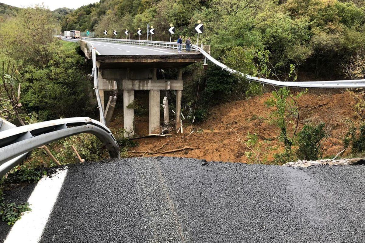 Sfiorato un altro ponte Morandi su un'autostrada sotto inchiesta