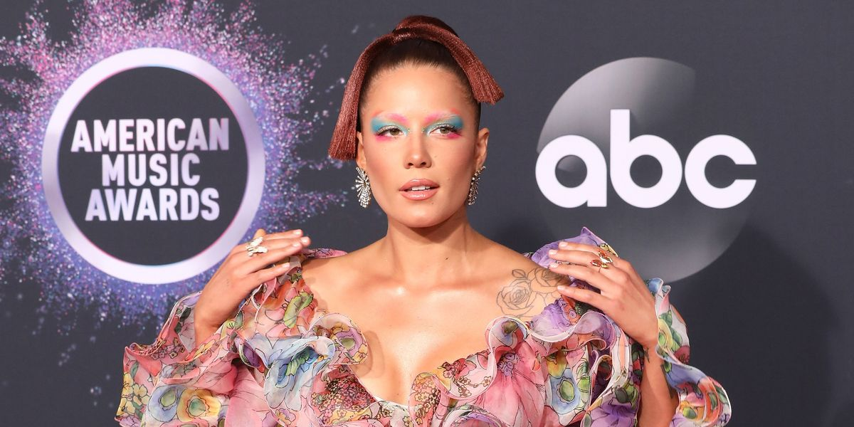 Halsey Canceled the Grammys at the AMAs