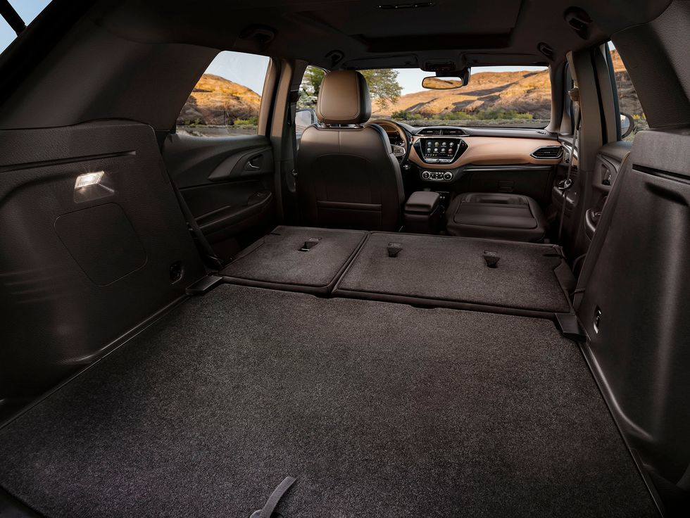 2021 Chevrolet Trailblazer cargo storage trunk folding seat