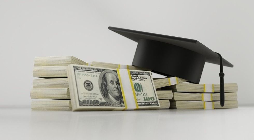 The Financial Aid System Is Breaking And So Are College Students' Banks