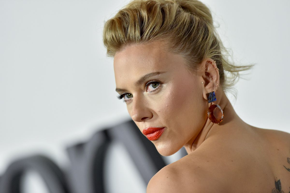 Scarlett Johansson Says She 'Mishandled' Trans Role
