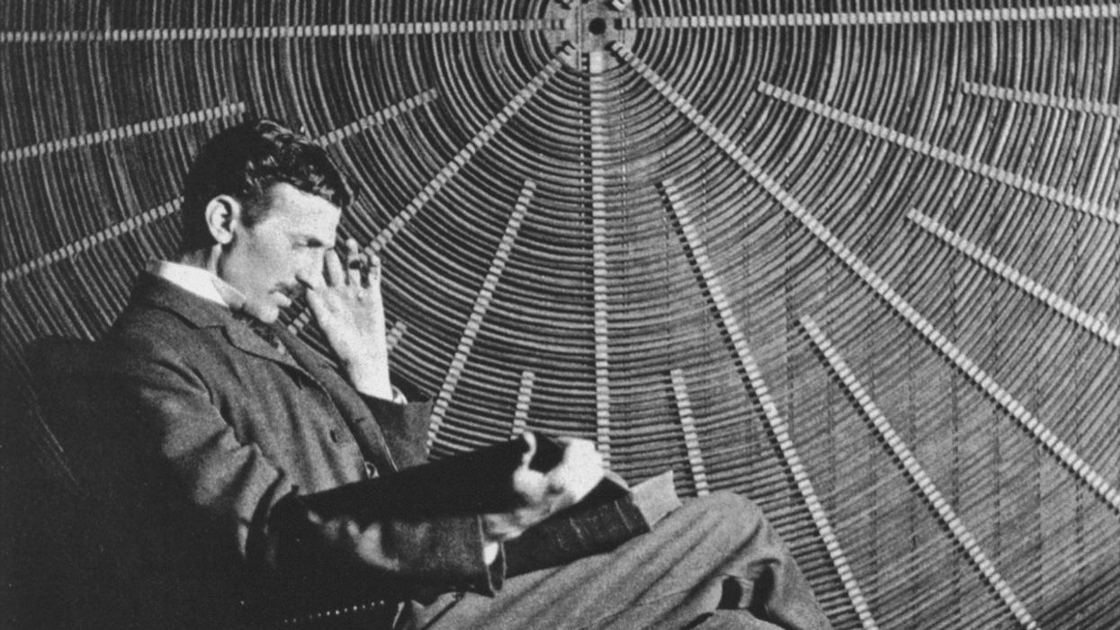 "Nikola Tesla sitting and reading Rudjer Boscovich's book ""Theoria Philosophiae Naturalis"""