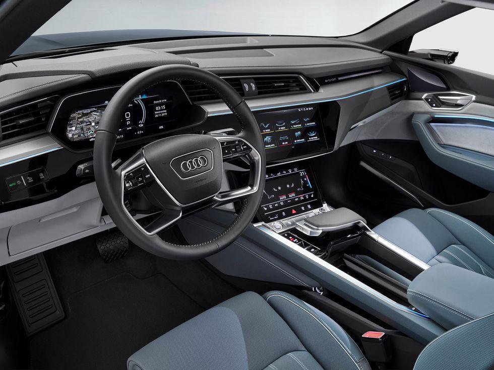 2020 Audi E-Tron Sportback interior wheel screens controls