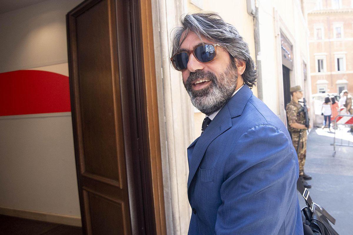 L'ex Rottamatore vive con Bonifazi a casa del top manager di Unicredit