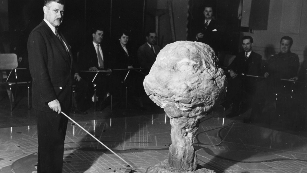 how to dismantle a nuclear bomb
