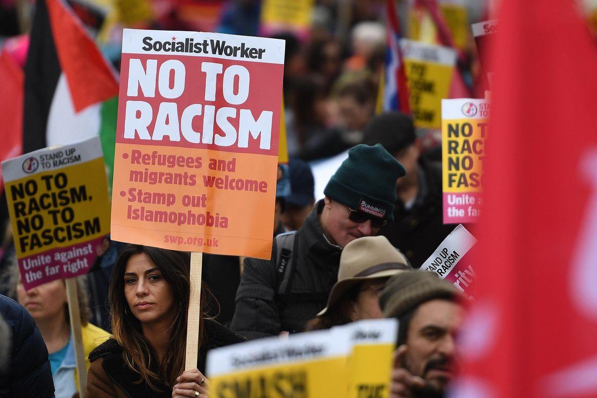 È iniziata l'era dell'antirazzismo razzista