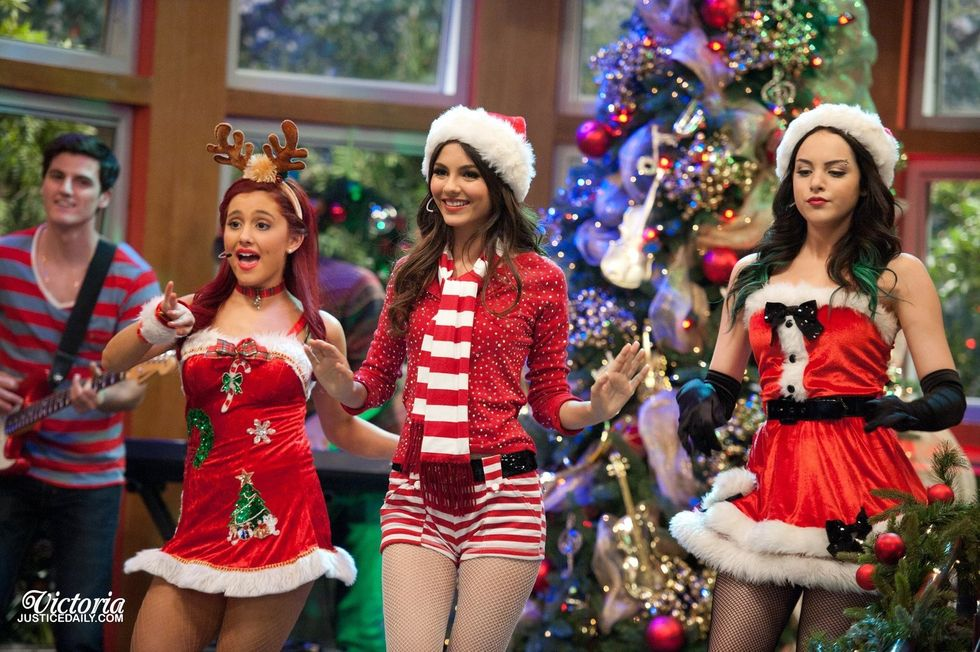 5 Christmas Songs From Your Favorite Childhood TV Stars That You Completely Forgot About