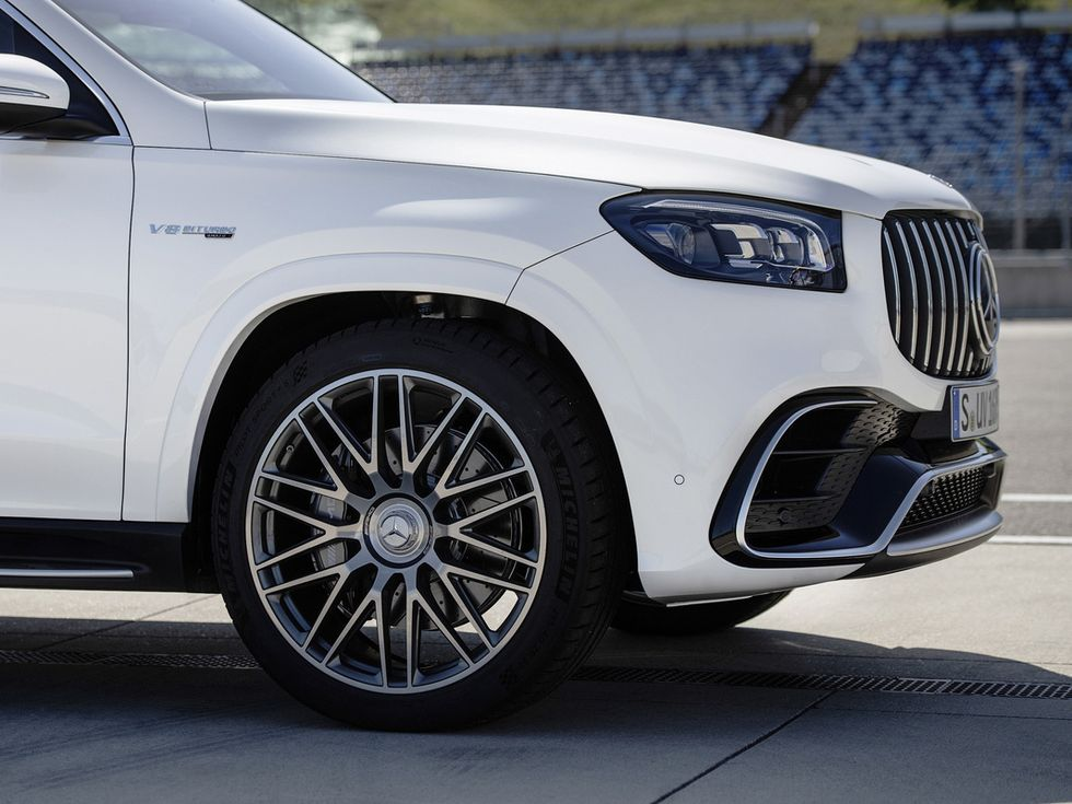 2021 Mercedes-AMG GLS 63 lights wheels grille