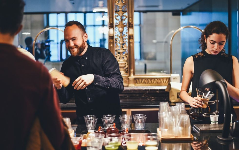 I'm A Bartender And Getting Your Drink Order Right Is WAY HARDER Than It Looks