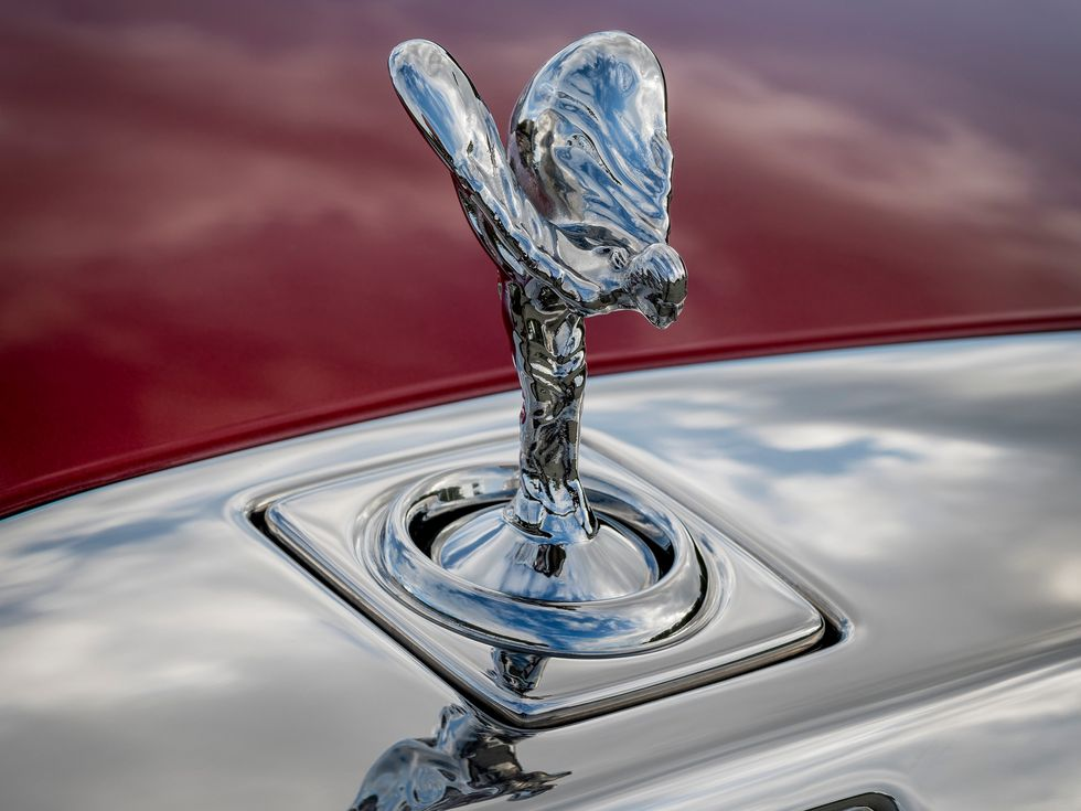 Rolls-Royce Phantom (RED) Spirit of Ecstasy