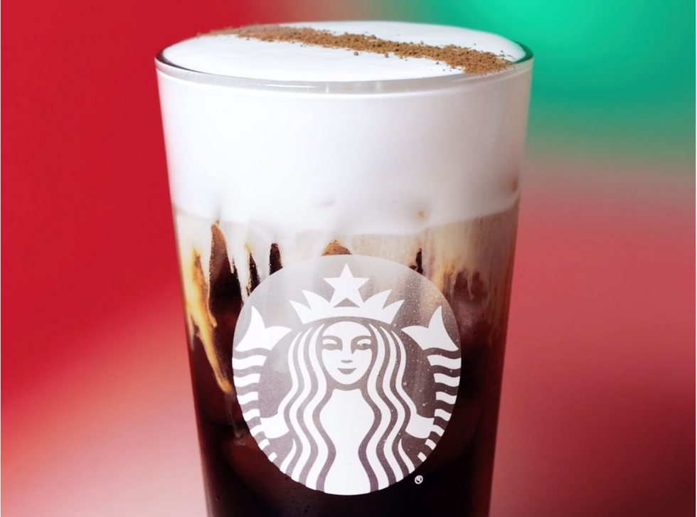 Starbucks Just Dropped A Baileys-Inspired Flavored Holiday Drink, And We're Drunk In Love